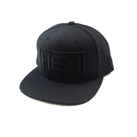 330 TRUCKER HAT IN BLACK