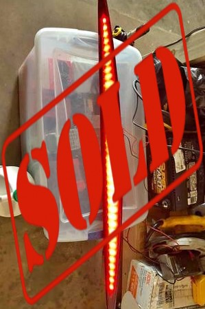 2003-2006 CADILLAC ESCALADE REAR GLASS AND 3RD BRAKE LIGHT CS501 ***SOLD***