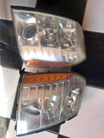 2007 CADILLAC ESCALADE HEADLIGHT ASSEMBLY CS497