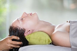 Tips to beat dry and dull hair hot oil treatment