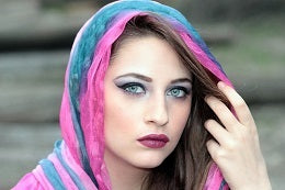 Tips to fight frizzy hair cover it up with scarf