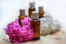 Tips to get rid of acne scars application of essential oils