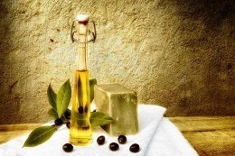 Tips to treat your hair at home olive oil nourishing treatment