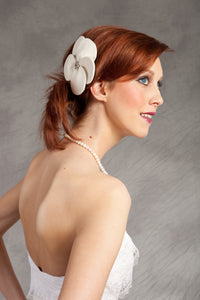 Velour Cut out Flower with Vintage inspired Brooch Fascinator