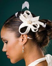 Load image into Gallery viewer, Velour Sculpture Fascinator with coque Feathers and Pearl Brooch