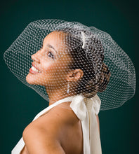 Load image into Gallery viewer, Birdcage Full Face High Fashion Veil.