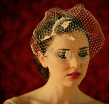 Load image into Gallery viewer, Fly Away Veil with Venice Lace and Pearls.