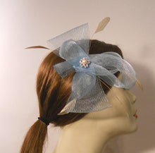 Load image into Gallery viewer, Horse Hair/Crinoline Fascinator with Coque Feathers and Vintage Style Brooch Center