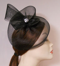 Load image into Gallery viewer, Horsehair Crinoline Fascinator with Vintage Inspired Brooch