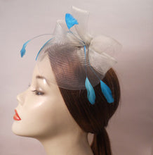 Load image into Gallery viewer, Horsehair Fascinator with Coque Feathers