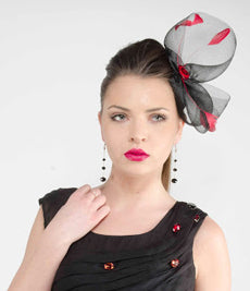 Horse Hair Fascinator With Contrasting  Brooch and Coque Feathers