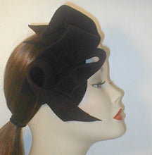 Load image into Gallery viewer, Velour Freeform Sculptured Fascinator