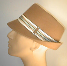 Load image into Gallery viewer, Fur Felt Tear Drop Fedora with Stripped Band and Silver Buckle