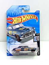 Load image into Gallery viewer, Hot wheels 52 Hudson hornet - Gonzo's Garage