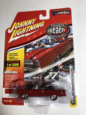Johnny Lightning 1967 Plymouth GTX Convertible - Gonzo's Garage