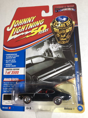 Johnny Lightning 1969 Oldsmobile Cutlass S - Gonzo's Garage