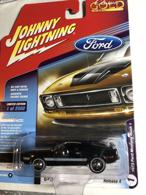 Johnny Lightning 1973 Ford Mustang Mach 1 - Gonzo's Garage
