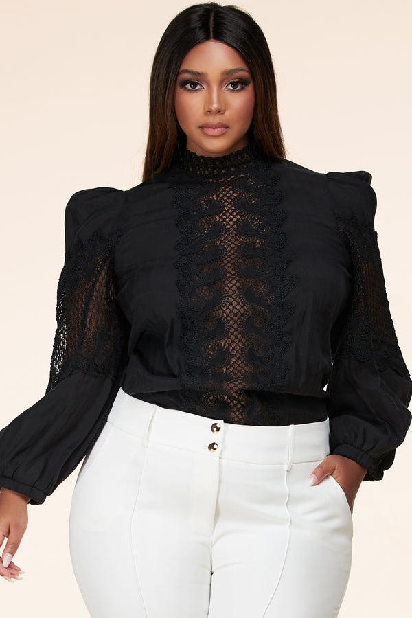 PLUS Sweetest Kiss Lace Top (Black)