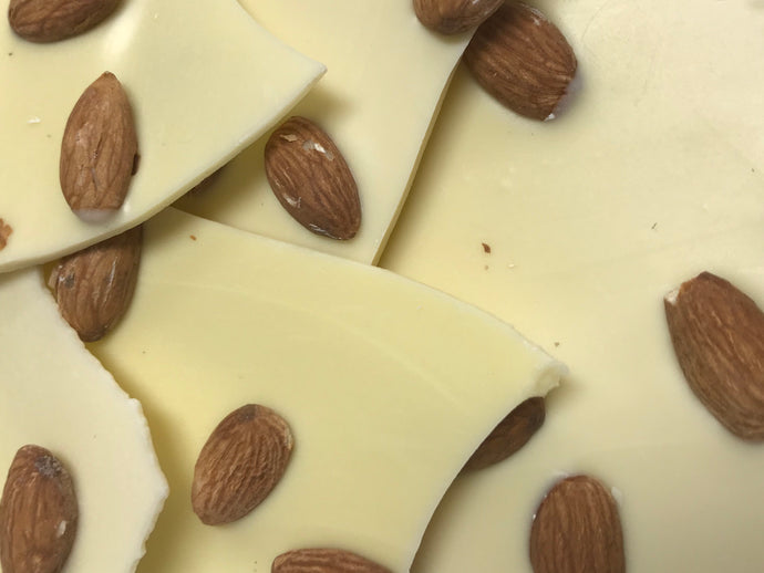 White Chocolate Bark with Almonds (4 oz.)