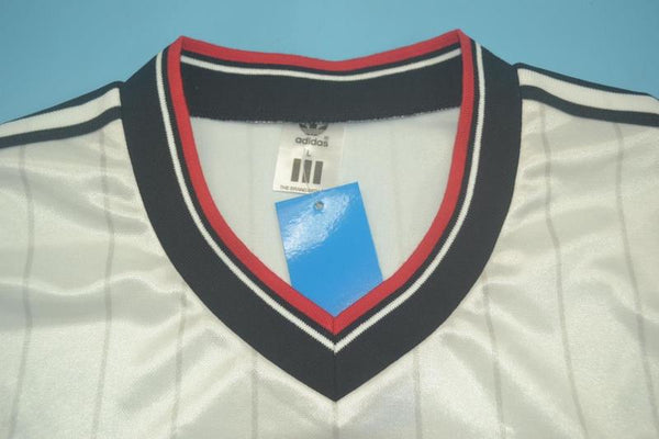MANCHESTER UNITED 1983 FA CUP NUMBER 3 AWAY JERSEY