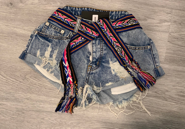 BELTED DISTRESSED SHORTS