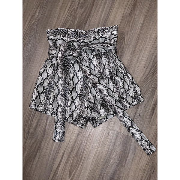 RATTLED WAIST (FAUX LEATHER SNAKE PRINT SHORTS )