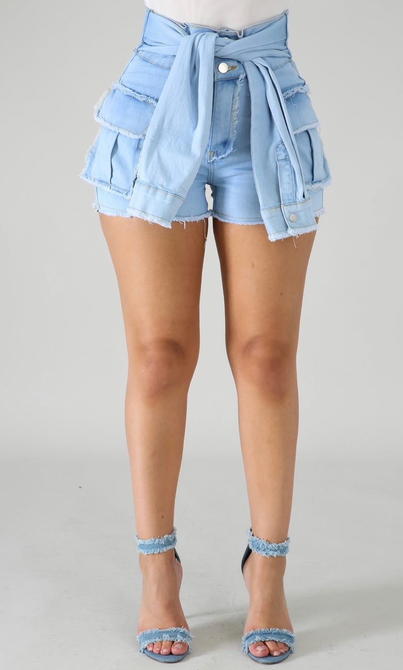 KNOT YOUR AVERAGE SHORTS