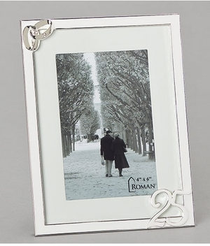 Frame 25th Anniversary holds a 4 x 6 photo w/silver rings