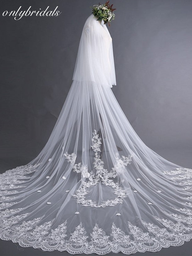 onlybridals  sluier White Tulle Lace Edge Long Beautiful Bridal Veil Cheap wedding veil with comb