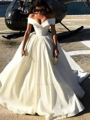 Simple wedding dress and spaghetti strap with one-character shoulder and neck A-line end - onlybridals