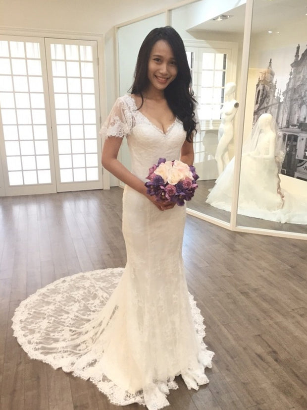 Elegant V Neck Appliques Lace Mermaid Wedding Dress Count Train Backless Trumpet Bride Dress 2021