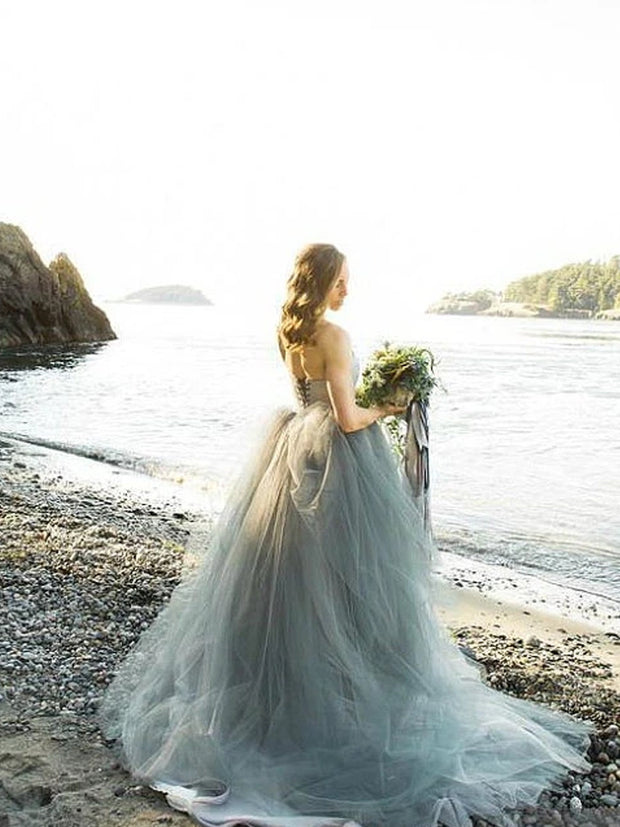 Chic Ball Gown Wedding Dress Long Strapless Lace Tulle Country Wedding Dress