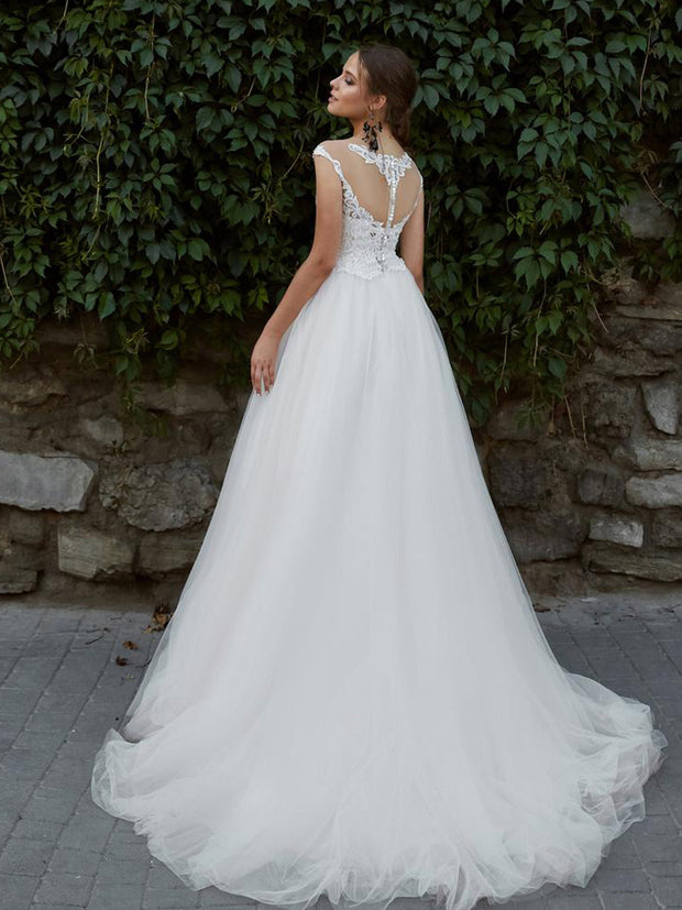 Onlybridals A Line Wedding Dress Appliqued Lace Bridal Gown Tulle Illusion Neck Wedding Gowns
