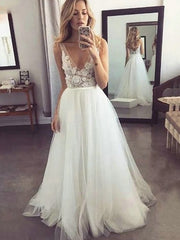 Custom Made V-neck Tulle Beach Wedding Dresses With Appliques