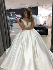 onlybridals Princess Wedding Dress Top Lace Appliqued A-Line Bride Dresses With Pockets Boho 2020 - onlybridals