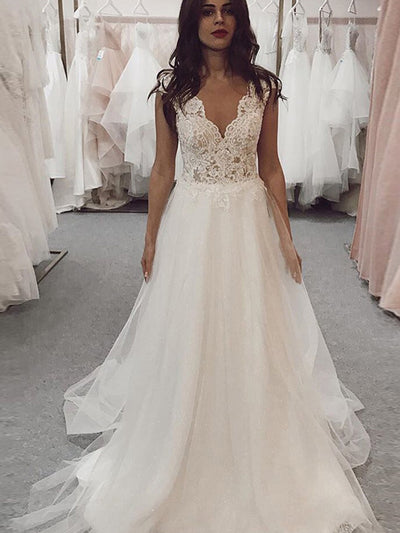 Beach Wedding Dress 2021 Lace Appliques Long Princess Lace Bridal Dress V Neck Wedding Gown