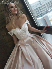 onlybridals Sweetheart Short Sleeves Lace Top Wedding Dresses Satin Customized Pleated Ruched Ladies Wedding Gowns