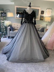 Lace Tulle Long Sleeves Bridal Floor-Length Ball Gown Wedding Dress Chapel Train Custom