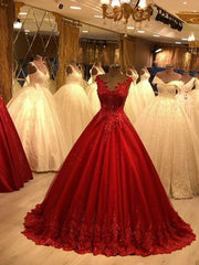 Red V-neck Prom Dresses Sleeveless Lace Appliques Beaded Tulle Evening Dresses