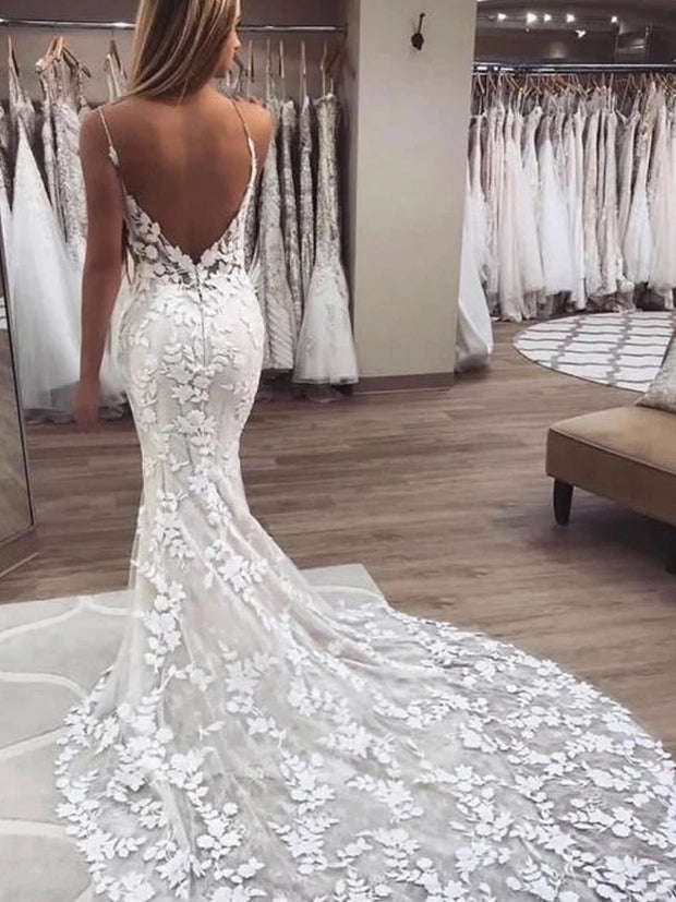 LACE APPLIQUES BACKLESS SWEEP TRAIN V NECK TRUMPET MERMAID TULLE WEDDING DRESS