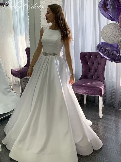 onlybridals O Neck White Ivory Wedding Dress Long Wedding Gowns Sleeveless Backless Beach Party Bridal Dresses