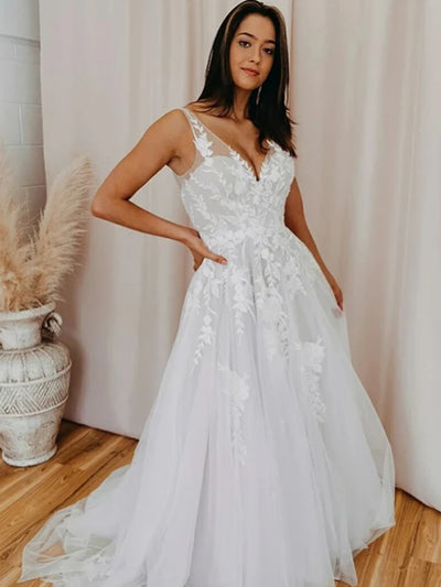 Romantic White Tulle Lace A-line V-neck Wedding Dress With Appliques