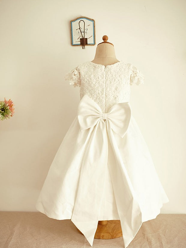 A-Line/Princess Lace Short Sleeves Scoop Bowknot Knee-Length Flower Girl Dresses