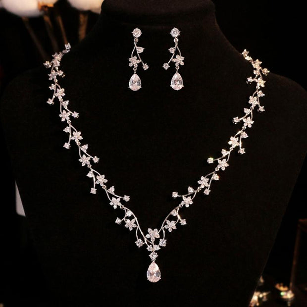 Luxury diamond necklace two-piece earrings bridal knot wedding accessories banquet dress