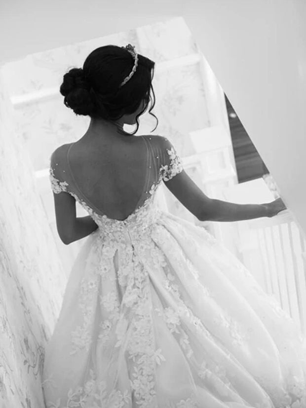 Gorgeous White Lace A-line Scoop Backless Long Wedding Dress