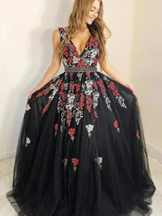 Black Floral Embroidery V-Neck Beaded Long Prom Dresses
