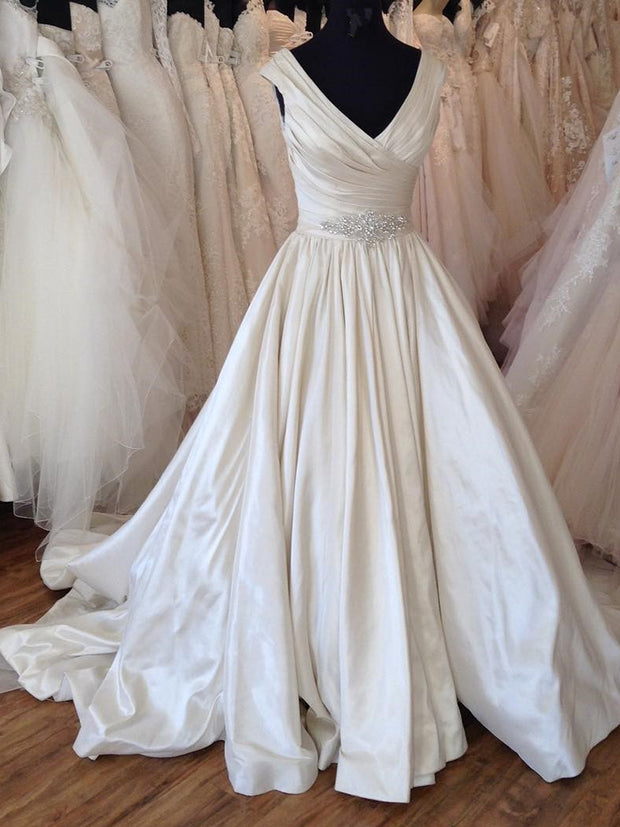 onlybridals  Ball Gown Wedding Dresses V Neck Beading Crystal Bridal Gowns