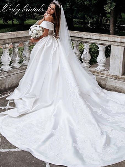 onlybridals A-line Satin Wedding Dresses 2020 Off Shoulder Lace Appliques Pleated Floor Length