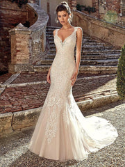 onlybridals Backless Mermaid Wedding Dresses With V Neck Spaghetti Strap Long Train Lace Bride Dresses - onlybridals