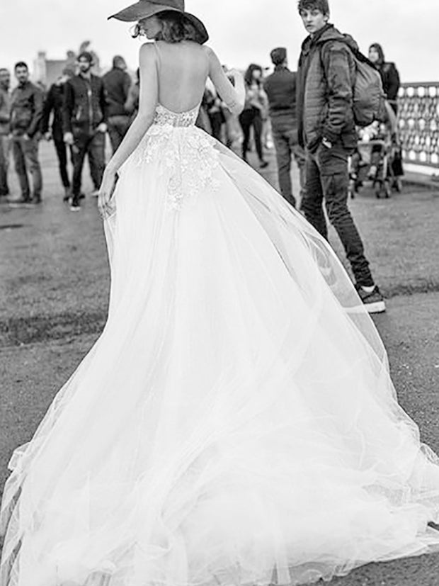 onlybridals  Princess Wedding Dress  Appliqued Flowers Bride Dress Long Train Tulle Backless Boho Wedding Gown - onlybridals